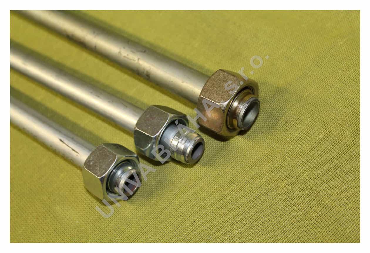Hydraulická trubka s převlečnou maticí a zářezným prstýnkem
