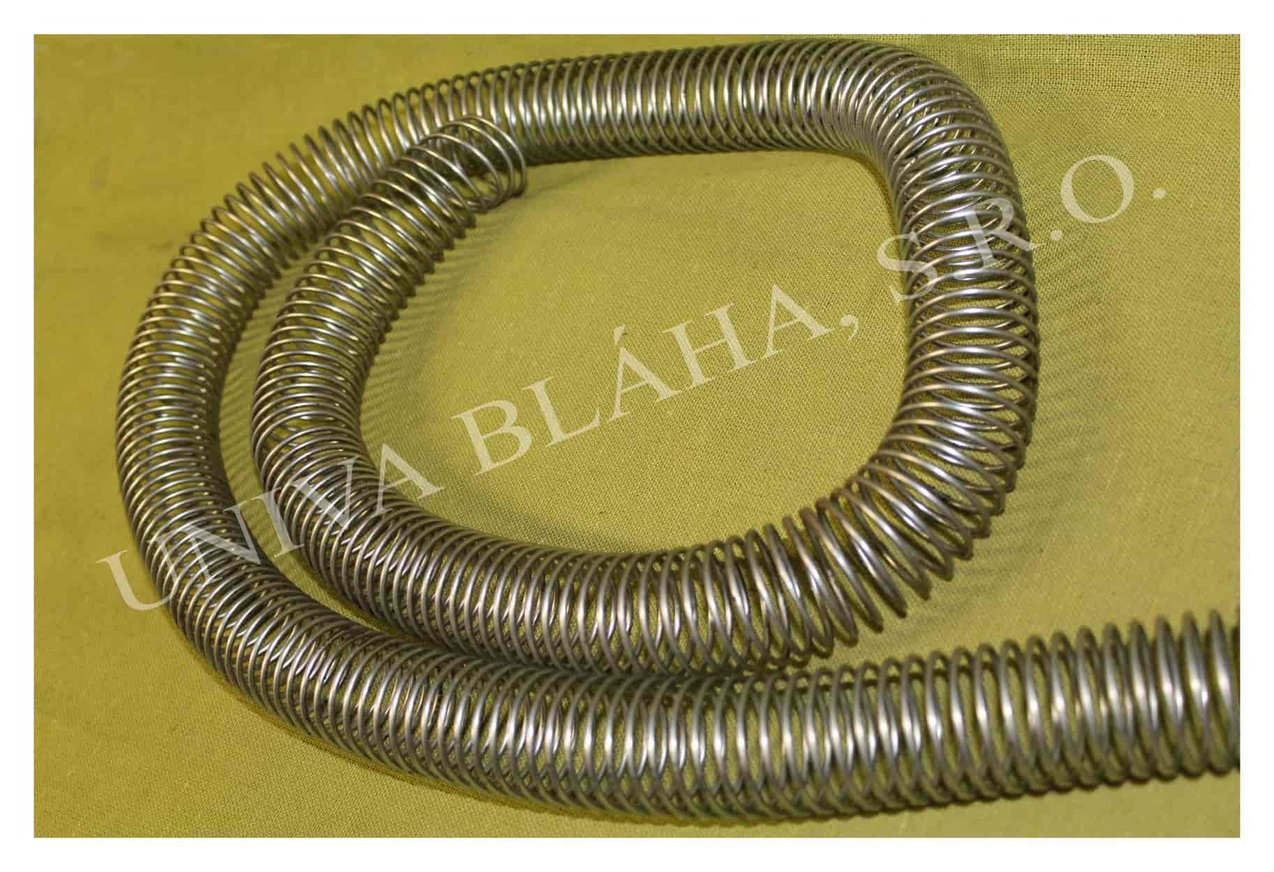 Ochranná kovová spirála na hadici